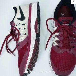 NIKE VOMERO ZOOM 9 Running Shoes